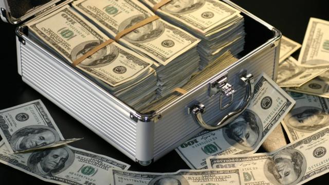 資産運用における理想の現金比率:買い出動はVIX指数から探る!