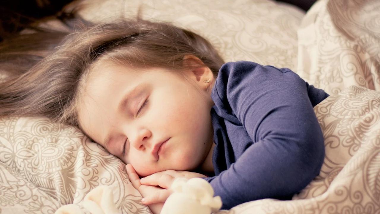 良い睡眠は健康に繋がり、お金の節約にもなる。
