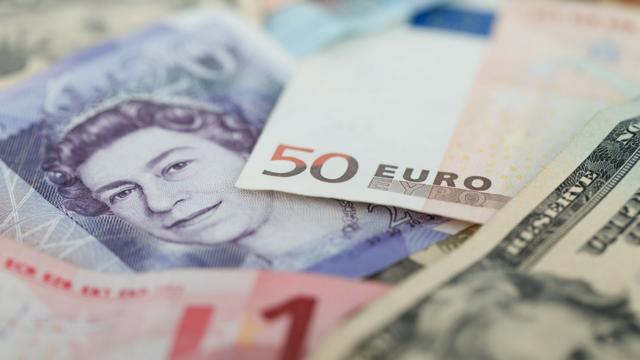 投資信託の基準価額は何に影響を受けるの?